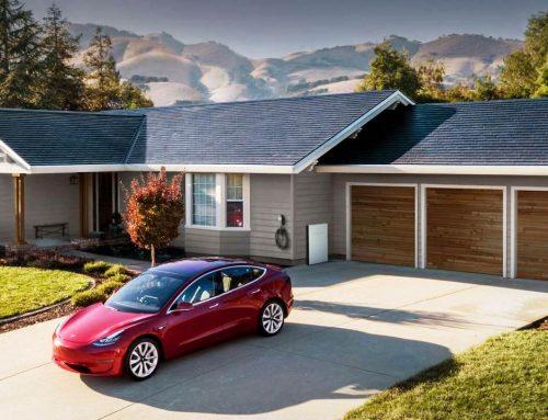 Tesla lanza nuevas tejas solares más económicas